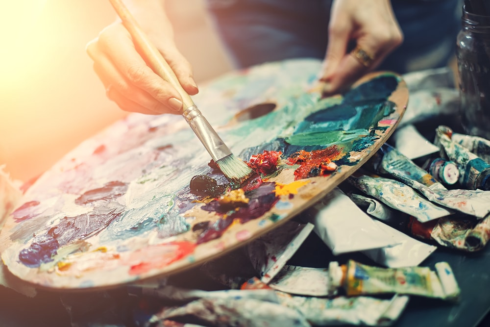 Una tavolozza di colori arte e pittura