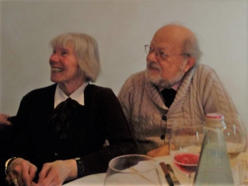 Una coppia a tavola