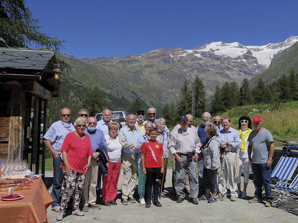 Soci di Biella in escursione a Grossoney La Trinité