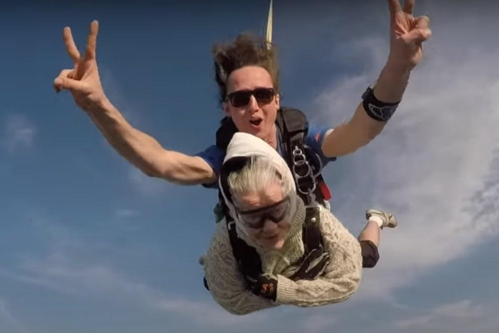 Spazio50 - Irene O'Shea: ha 102 anni la paracadutista più anziana
