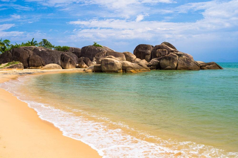 Spiaggia di Hainan, patria della longevità in Cina