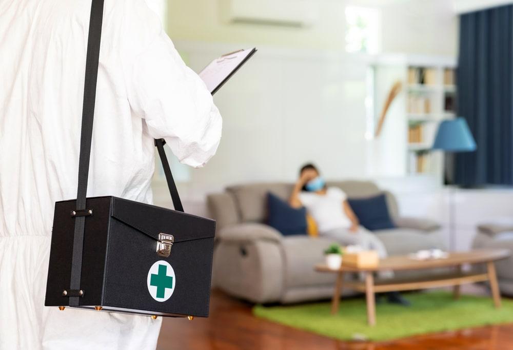 Personale medico che va a fare visita