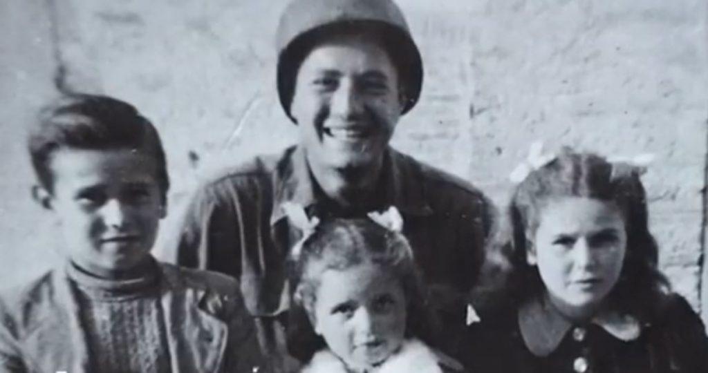 MArtin Adler con i tre bambini salvati
