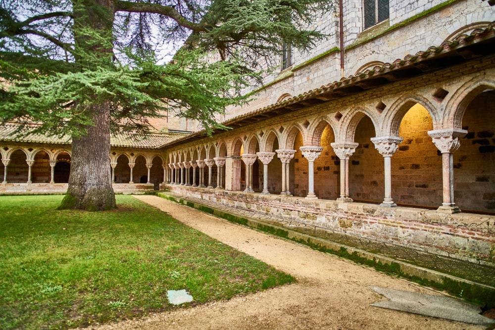 Il chiostro di un convento
