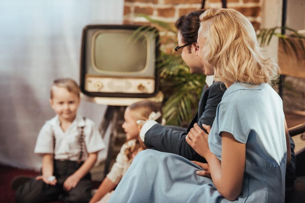 Una famiglia anni '50 con la TV