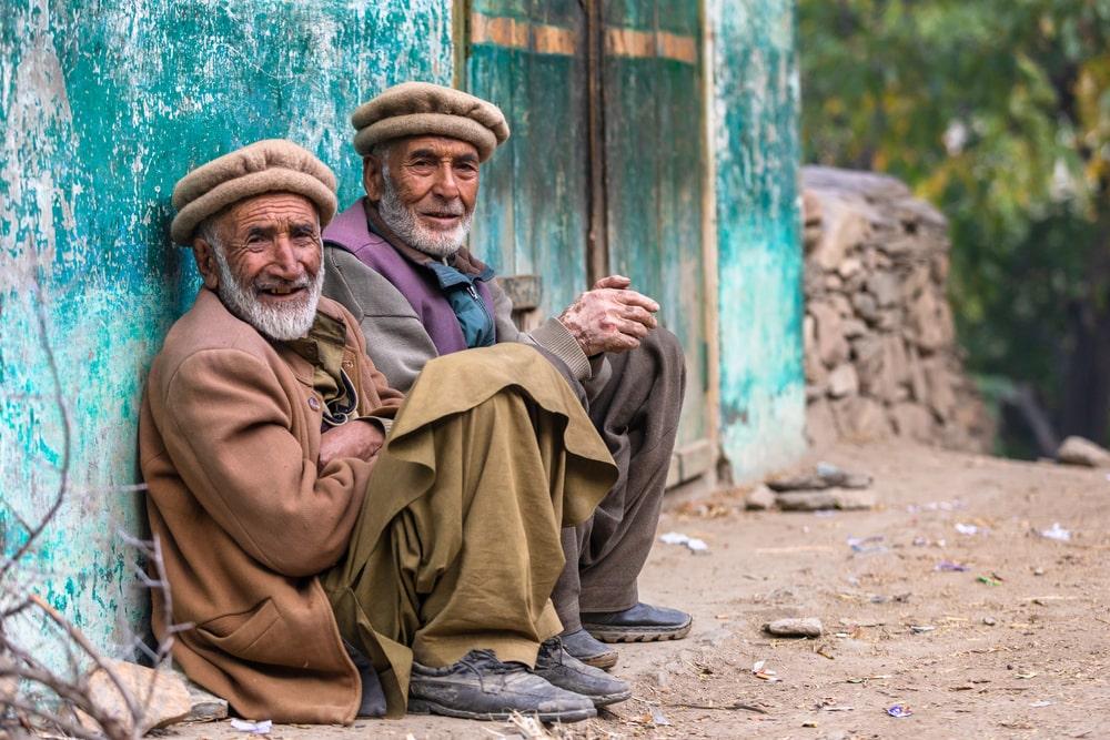 Due anziani afghani