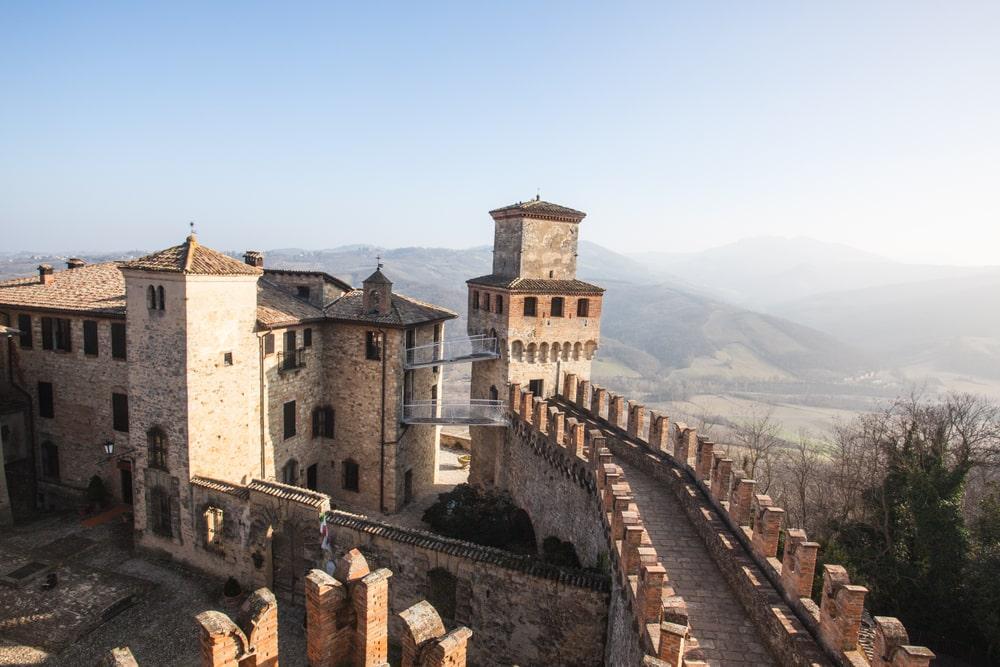 Le mura medioevali di vigoleno