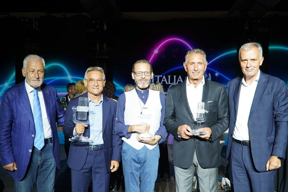 I vincitori della XVIII edizione di Italia In...Canto insieme al Segretario Generale Gabriele Sampaolo e il Vicepresidente Vicario Sebastiano Casu